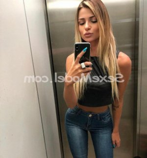 Annine escorte girl massage