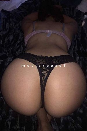 Nucia massage escort girl
